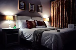 Bokmakierie-Guest-House_Rooms_Night-(3)