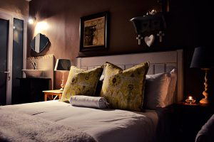 Bokmakierie-Guest-House_Rooms_Night-(9)